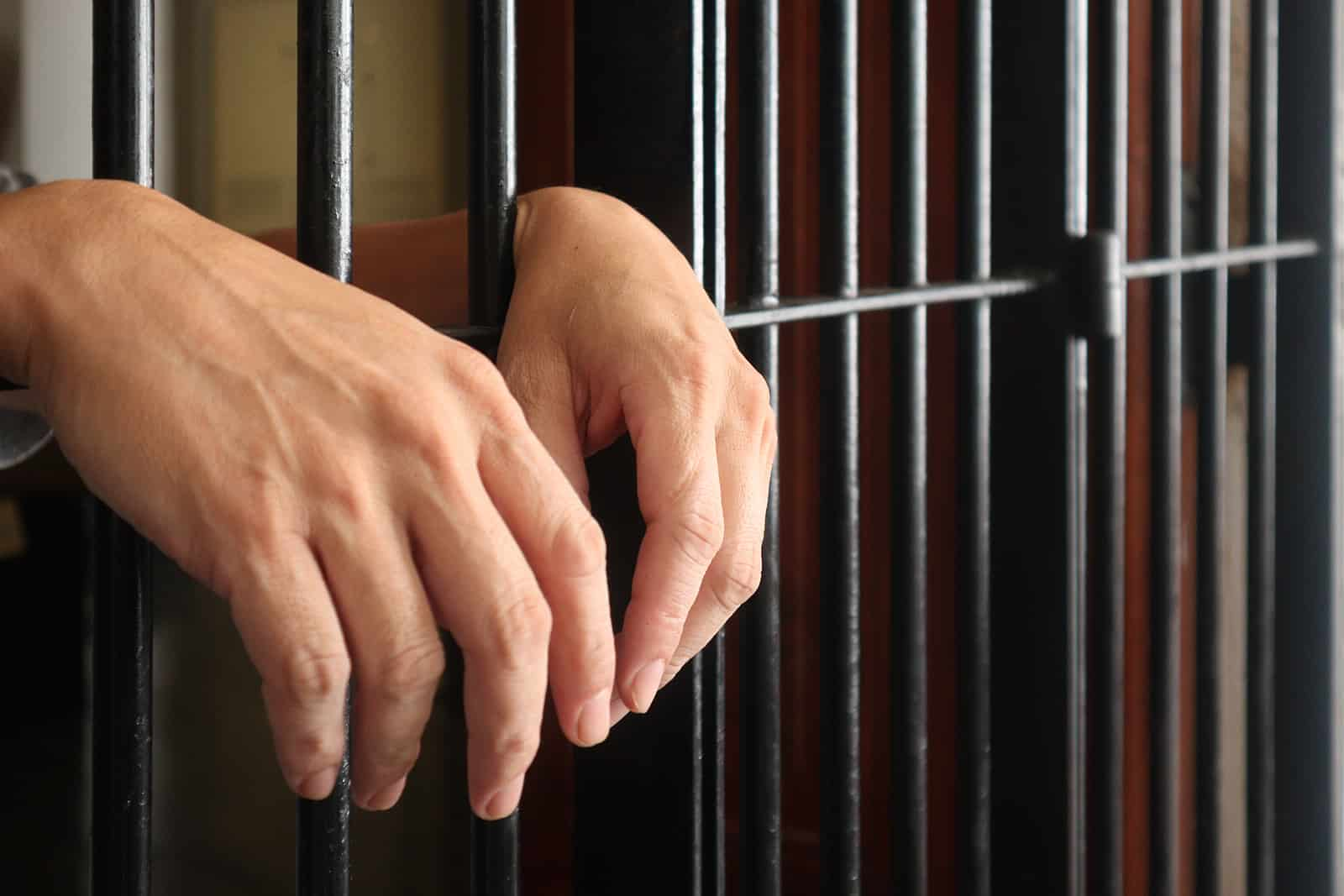 How to Bail Someone Out of Jail – 3 Ways to Secure Release